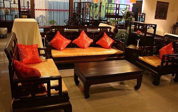 红木家具涂刷生漆