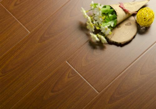 验收地板的技巧
