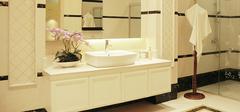 如何处理卫生间瓷砖上的污垢?