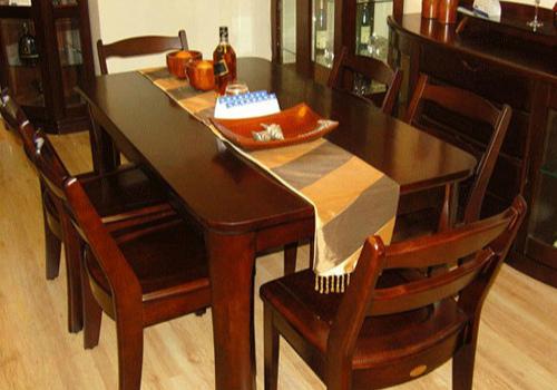 家庭餐桌椅