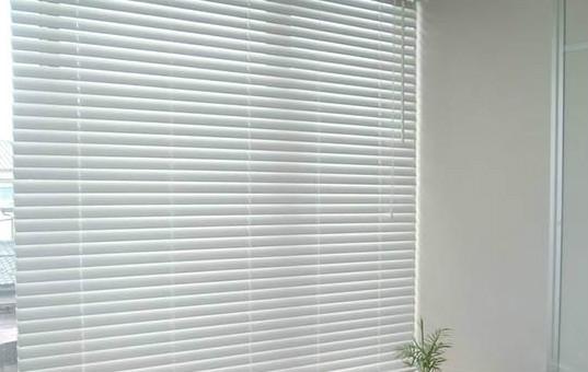 百叶窗帘效果图边框