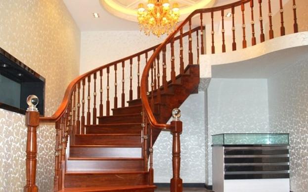 复式旋转楼梯