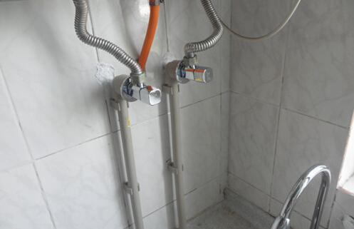 冷热水管安装