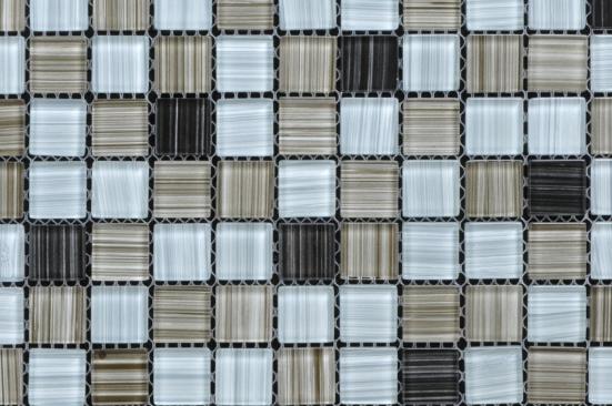 再者,要注意使用的粘贴剂,要有很强的粘贴性之外,还要容易从马赛克上擦洗掉,而且不能损坏水晶玻璃马赛克的背纸或者使其变色。   选购时,可以在自然光线下,以距马赛克40cm左右的高度,看下其表面有没有裂纹和缺角等现象。