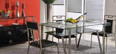 玻璃家具在选购时需要考虑哪些因素?