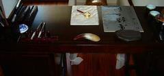 红木办公桌应该如何辨别?