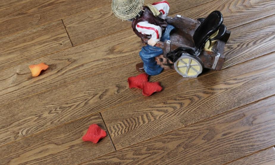 水曲柳地板