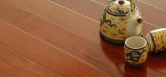 如何挑选到优质的实木地板?