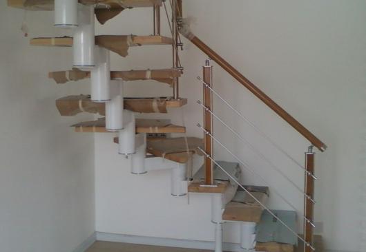 楼梯立柱不可少