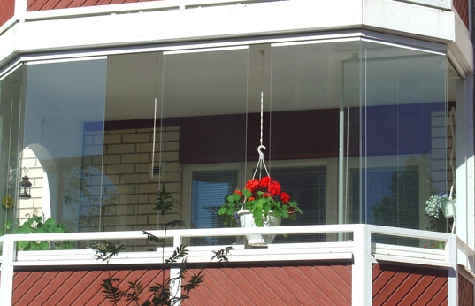 无框阳台窗