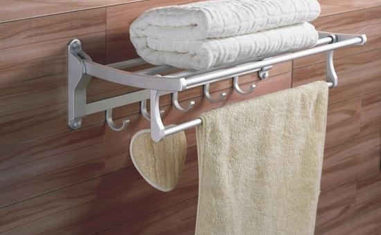 如何保养卫浴挂件?