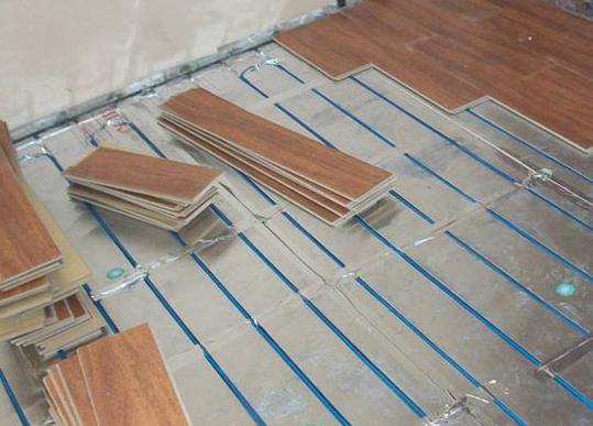地热采暖地板