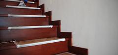 楼梯踢脚线的安装技巧