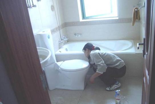 卫生间保洁方法
