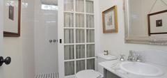 卫生间隔断有哪些常见材料?
