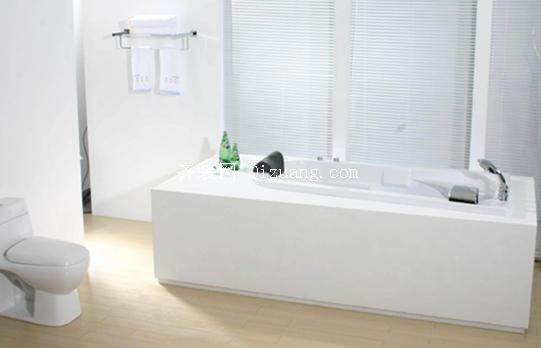 浴缸清洁与保养
