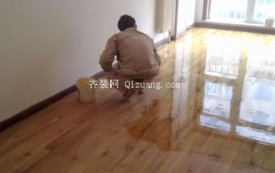 旧地板翻新