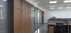 办公室玻璃隔断的保养方法