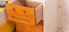 实木床头柜的选购技巧