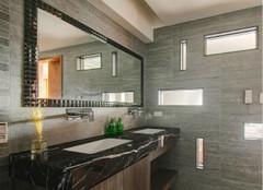 家里的卫生间镜子有这样清洁保养过吗?