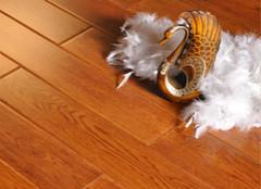 地板保养要注意,清洁上蜡是常事!