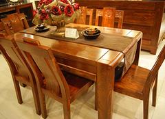 这样保养实木餐桌,让你的家居生活更完美!