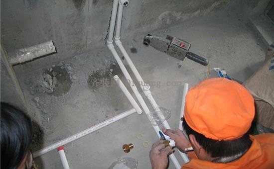 地下水管漏水