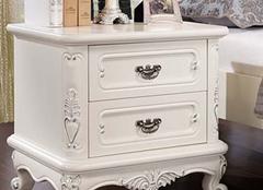 如何正确保养实木床头柜?