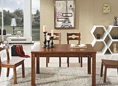 如何正确保养实木餐桌?