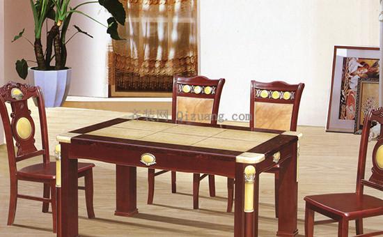 大理石餐桌