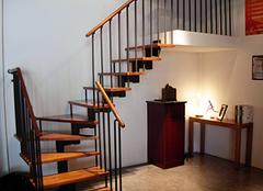 木楼梯踏步板的清洁保养,非一般的技巧
