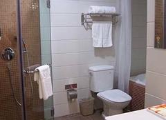浴室装修用淋浴房还是浴缸?