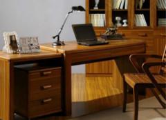 如何选购到高质量的实木书桌?