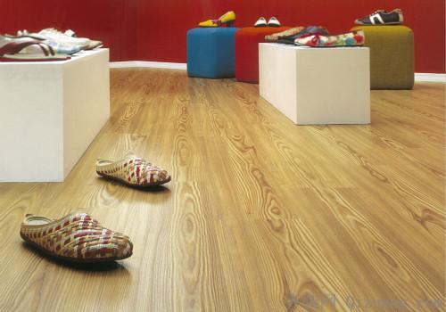 厨房铺上木地板到底好不好?