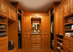 四大绝招,助你选购满意的实木衣柜