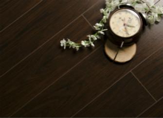 如何选购优质的实木地板?