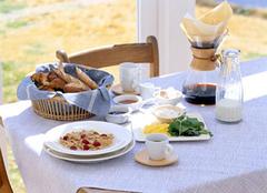 浪漫且秀色可餐的餐桌 你还不心动嘛