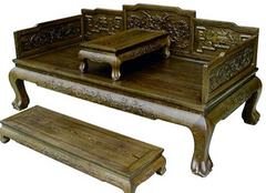 罗汉床好还是沙发好 客厅如何摆放罗汉床