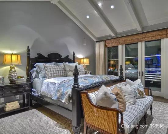 斜顶卧室设计效果图
