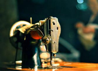 缝纫机出现跳线的现象,我们应该怎么办?