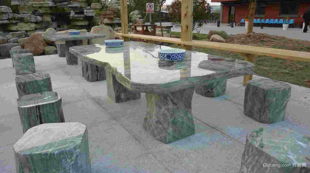 九龙壁石桌椅