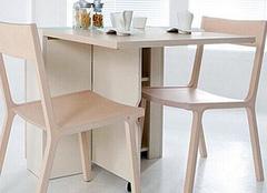 了解可以折叠的餐桌的特点,你会喜欢的哦!