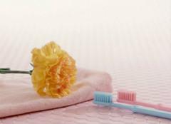 及时充电 让电动刷牙维护你的健康