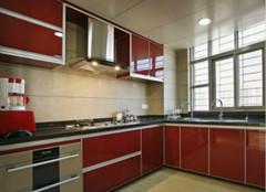 开放式厨房:让油烟轻松排走