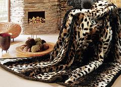 御寒神器 毛毯让你温暖熬夜看球赛
