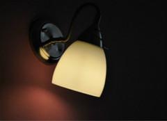 优质床头灯如何选?色调造型是关键