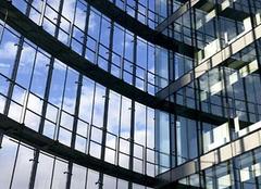 安装玻璃幕墙 让家居更具格调