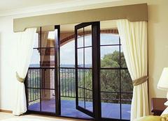 装修落地玻璃窗 美观中也有一丝缺陷