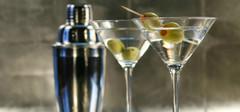 调酒器:让美酒更加香醇