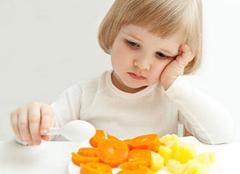儿童餐具卖相佳 宝宝三餐不用愁